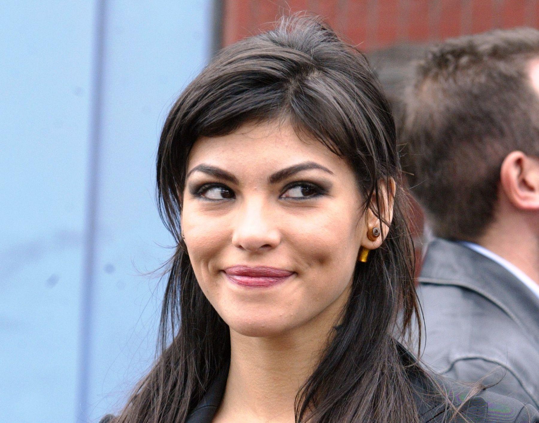 Angie Jibaja facial